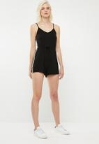 Superbalist - Sporty trim playsuit - black