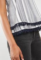 New Look - Sally stripe pompom cami - navy