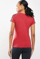 KAPPA - 222 banda woen short sleeve t-shirt - red/black/white