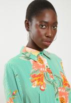 STYLE REPUBLIC - High low linen look maxi shirt - green