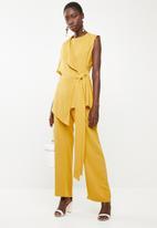 DAVID by David Tlale - Nomzamo flap top short - yellow