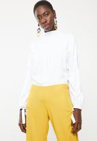 DAVID by David Tlale - Letta bishop sleeve blouse - white