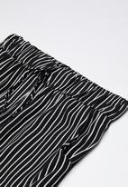 Rebel Republic - Printed pants - black & white