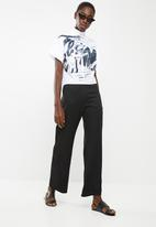 DAVID by David Tlale - Sarafina printed short sleeve blouse - white