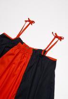 Superbalist - Colourblock smock dress - red & navy