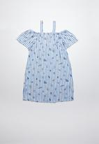 Twin Clothing - Cold shoulder graphics strip print dress - blue