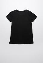 GUESS - Guess jeans heart tee - black