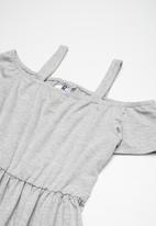 Rebel Republic - Cold shoulder dress - grey