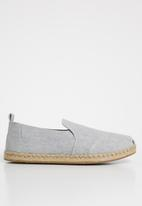 Toms - Drizzle slub chambray women's deconstructed alpargatas - grey