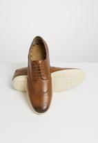 Base London - Perform burnished leather - tan
