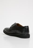 Base London - Orion hi shine leather brogue - black