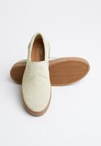 Toms - Birch Shaggy suede man Loma gum sole slip on - beige