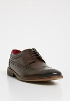 Base London - Durham leather brogue - brown