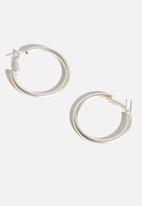 Vero Moda - Jenny mat large creol earrings - silver