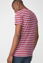 Cotton On - Tbar premium crew neck tee - red & purple