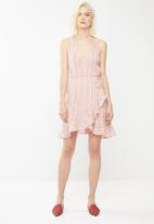 Vero Moda - Summer wrap dress - pink