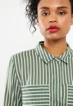 Jacqueline de Yong - Elaine striped shirt - green
