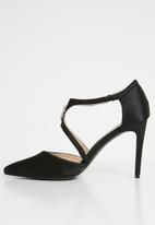 Plum - Embellished cut-out courts - black