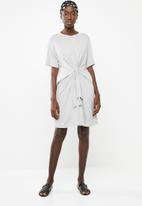 Superbalist - T-shirt dress with tie front - grey
