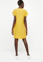 Superbalist - Zip detail shift dress - yellow