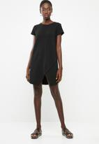 Superbalist - Wrap front detail shift dress - black