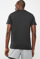 PUMA - Active big logo tee - black