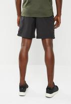 PUMA - Forever faster woven shorts - black & white