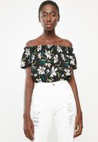 Superbalist - Blouson blouse - black floral