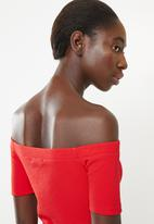 Superbalist - Fitted off the shoulder button through top - red