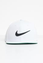 Nike - Nike swoosh pro - white