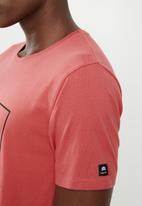 St Goliath - Messenger short sleeve tee - red