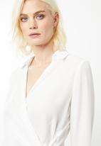 Missguided - Wrap over tie side blouse - white