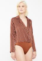 Missguided - Spot print blazer bodysuit - brown