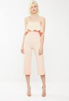 Missguided - Double layer culotte jumpsuit - peach