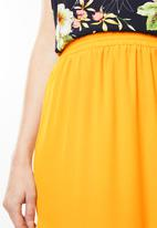 Missguided - Double split side maxi skirt - yellow