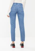 Missguided - Lust low rise pinstripe boyfriend jean - blue