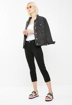 Missguided - Mid rise cropped straight leg jean- black
