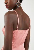 Missguided - Strappy twist front shift dress - pink