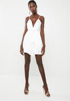 Missguided - Satin strappy wrap shift dress - white