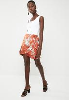 Missguided - Floral wrap tie side mini skirt - bronze