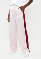 Missguided - Satin side stripe trousers - pink & burgundy