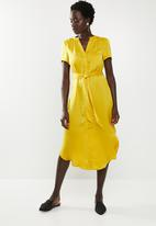 Vero Moda - Malba belt shirt dress - yellow