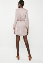 Missguided - Satin wrap tie balloon sleeve - pink