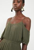 ONLY - Perry cold shoulder playsuit - green