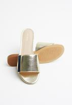 7f9cfd7e451a Aladoclya leather flat block slide sandal - gold ALDO Sandals   Flip ...