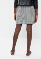 Vero Moda - Tiny check skirt - white & black