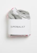 Superbalist - 2 Pack spot sneaker socks - pink & grey