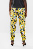 Vero Moda - Naya pants - yellow