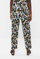 Vero Moda - Lily rose loose pants - black