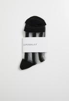 Superbalist - Stripe sheer socks - black